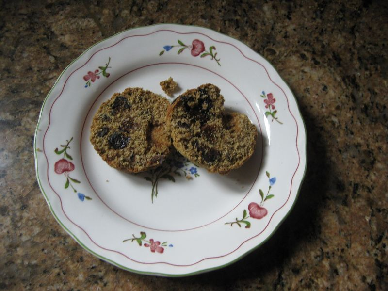 Oat-bran-muffin-sliced-in-half